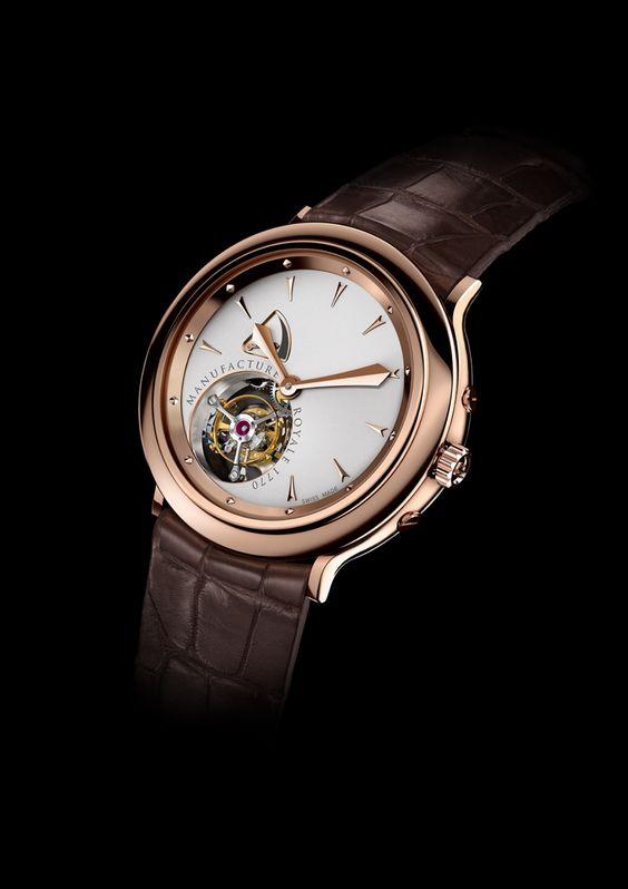 MANUFACTURE ROYAL 1770  İlk günkü girişimci ruhunu muhafaza eden Manufacture Royale, bugün karmaşık mekanizmalara sahip lüks saatler tasarlıyor ve üretiyor. Kurulduğu yıla itafen 1770 adlı modelini Baselworld'de tanıttı. Marka, zanaatkârlarının mükemmeliyetçiliği ve zarif çalışmaları sayesinde, hem teknik hem de süsleme açısından, eşsiz bir kalite sunuyor.