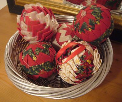 Boule de no l en patchwork d co de no l pinterest for Boules de noel maison