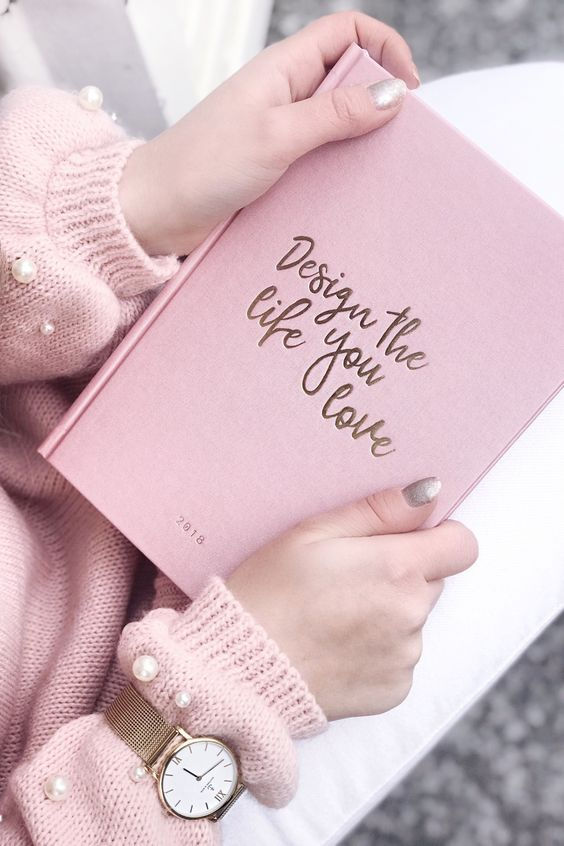 watch for her | gift idea | christmas | pink notebook | design the life you love | pink knit | Campina Mesh by Kapten & Son | picture by lara_ira