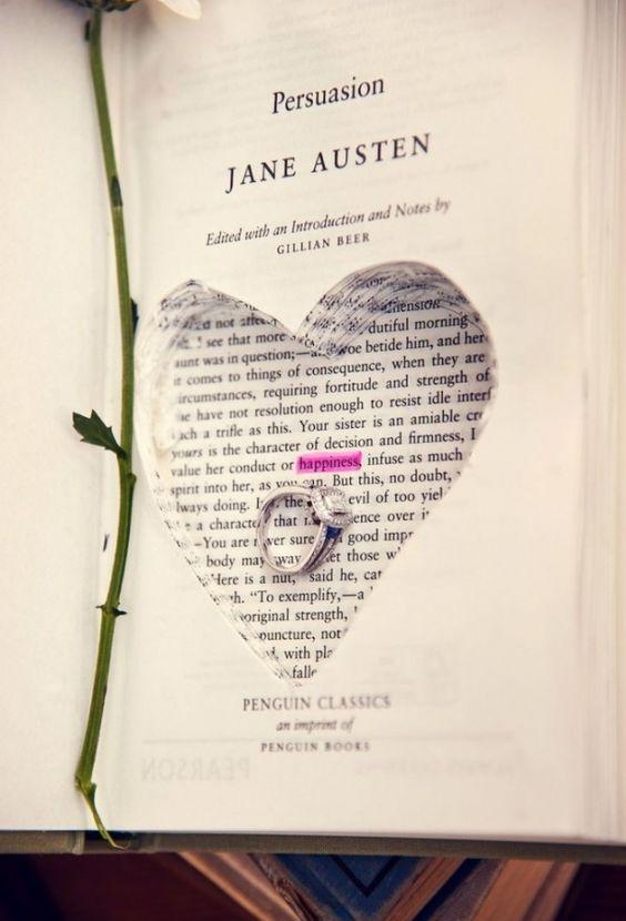 Demande en mariage originale dans un livre