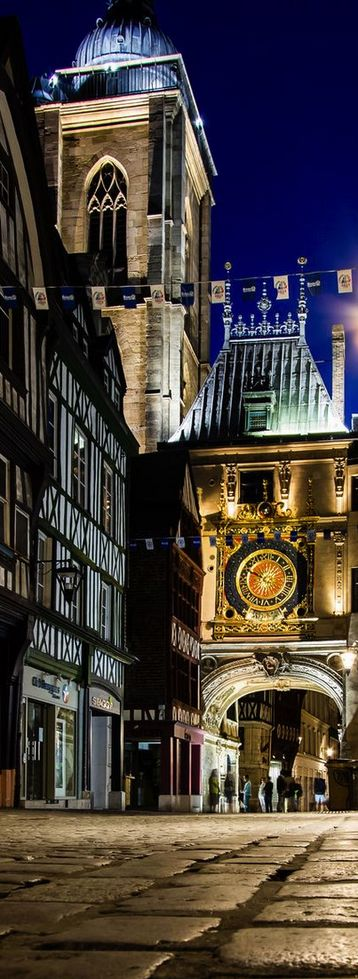 Great Clock of Rouen, France (by Julien Cornette)