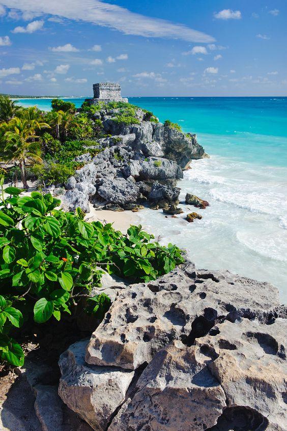 Dream away...  Mexiko, Yucatan, Tulum, Strand mit alten Maya-Ruinen - © Getty Images - Bildnr. 432309