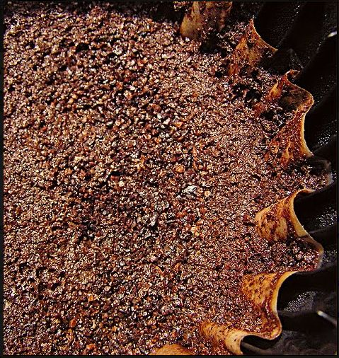 Coffee Grounds In The Garden Deter Slugs And Fertilize The Dirt Among Other Great Things Diy