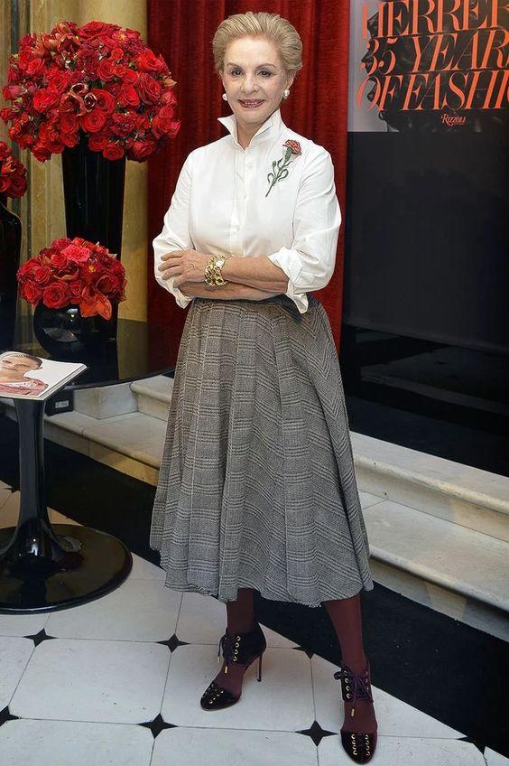 Женщина в 80 выглядит на 50. Вот у кого действительно стоит учиться стилю и брать пример - Каролина Эррера | Мне 50 | Яндекс Дзен