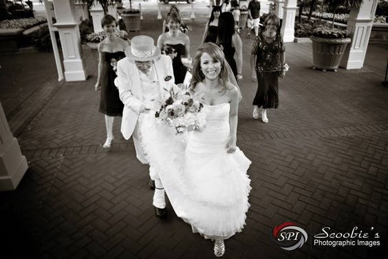 How perfect is this classic #weddingphoto? This picture says so much about the beautiful bride taken by Scoobie's Photographic Images. Meet this talented #NashvilleWedding Photographer at the next PWG Wedding Show and see what one day only specials he is offering! Get your discount tickets with code PIN here: Nashville.PWGShows.com
