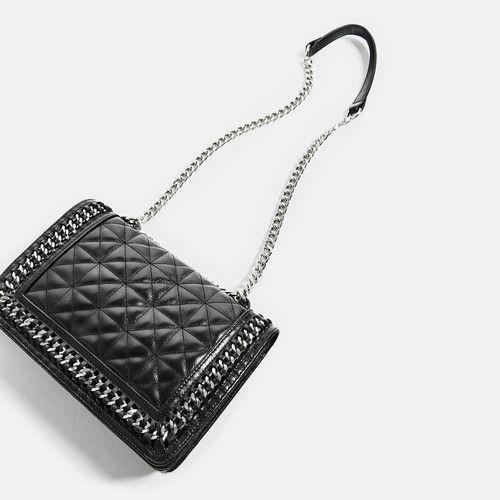 11 bolsos de piel de Zara con los que elevar tu look de