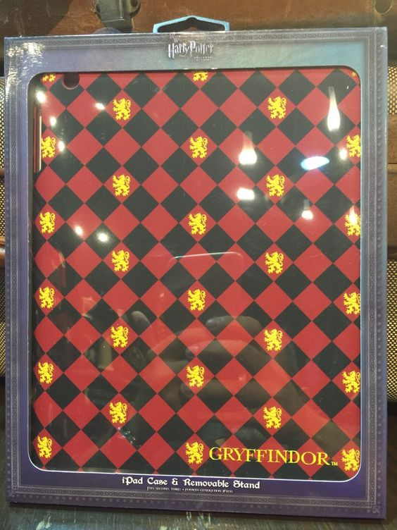 universal studios harry potter gryffindor tablet case new with box