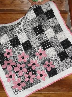Such a cute way to add something extra to the quilt.