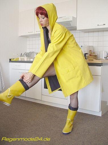 Yellow fetish boots