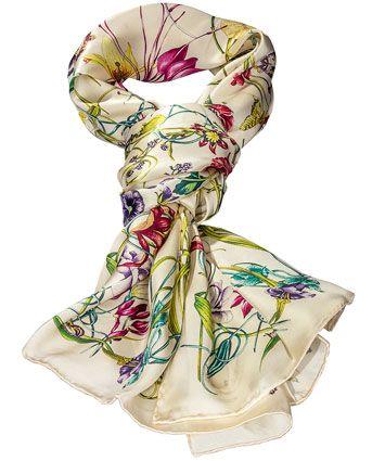 Damen-Seidenschal, Cremé, Blumenranken, 100 % Seide. Maße: ca. 55 x 180 cm, Artikelnummer: 8100085 99,90 €. www.daniels-korff.de