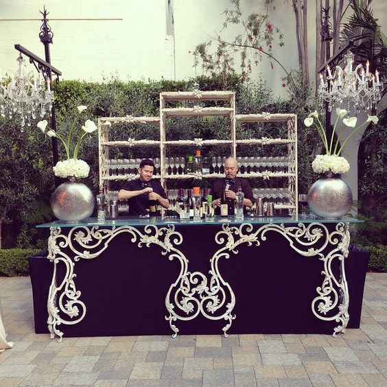 Great outdoor bar for the Urban Unveiled Great Gatsby Glamour party