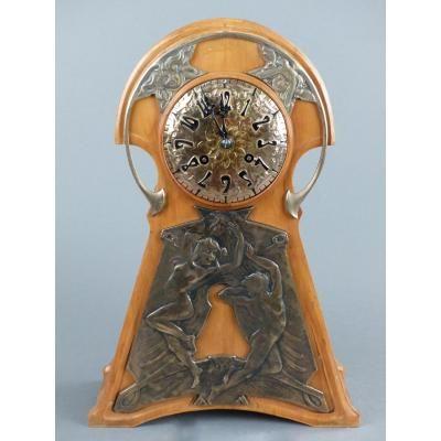 Pendule Art-Nouveau :