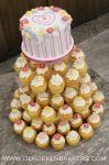 Cupcake toren met aansnijtaartje