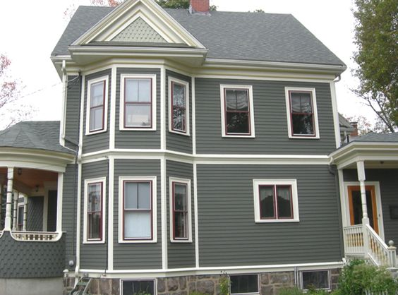 House colors carriage house and accent colors on pinterest for Victorian exterior color schemes