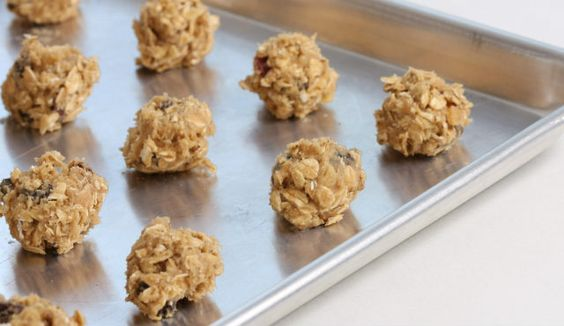 Check out these easy raw energy bites recipe!