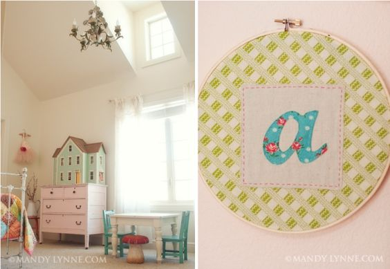 little girls room: Little Girls, Girl S Room, Girls Bedroom, Cute Kids, Room Ideas, Little Girl Rooms, Kids Table, Vintage Girls Rooms, Kids Rooms
