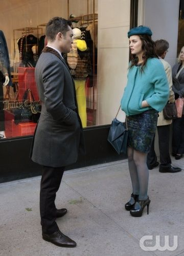 GG season 5 Father And The Bride  Blair's outfit is always flawless, and she never has a hair out of place.    Her Alpaca Coat is by DVF Milford and recommended that it's the must-have coat of the season.    ♥ Color block style  ♥ Chuck Bass