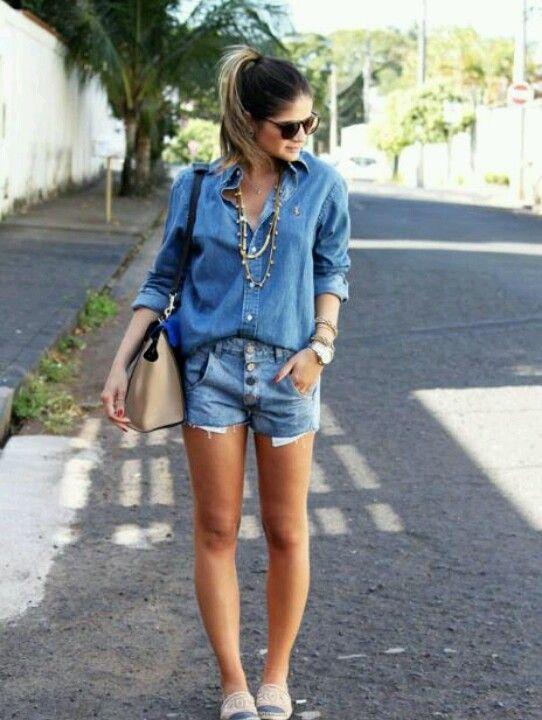 Look da Thassia Naves com camisa e Short jeans. Perfeito para curtir o fim de semana com estilo.: