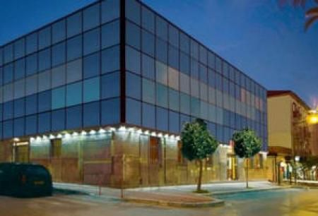 Hotel Cristal Via Umberto Nobile, 51 84025-Eboli  http://www.hotelcristaleboli.upps.it L 'Hotel Cristal drückt all die Qualitäten eines warmen Lächeln und professionelle vollständig innerhalb in einem modernen Hotel renoviert verfügt über 26 komfortable Zimmer bereit, die Bedürfnisse seiner Kunden zu erfüllen ...