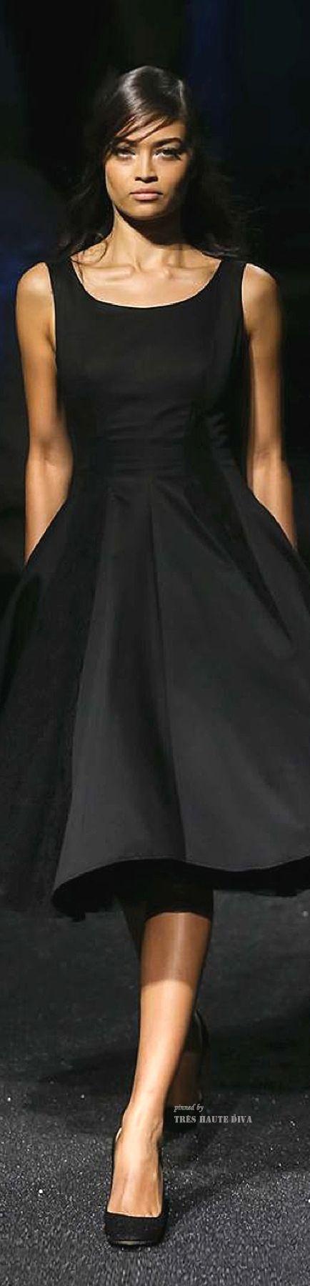 VESTIDOS CLÁSICOS DE CÓCTEL EN NEGRO PARA ESTE VERANO Hola Chicas!!! Tienes una salida a una fiesta y quieres verte elegante, te recomiendo un vestido de cóctel en color negro que siempre sera un acierto, en la tiendas encontraras vestidos muy bonitos de diferentes precios