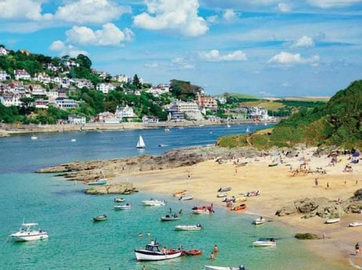 Seaside town in England    Salcombe, Devon    Discover the charms of this seasidetown in England, the South Hams overlooking  the beautiful Kingsbridge Estuary on your weekend getaway