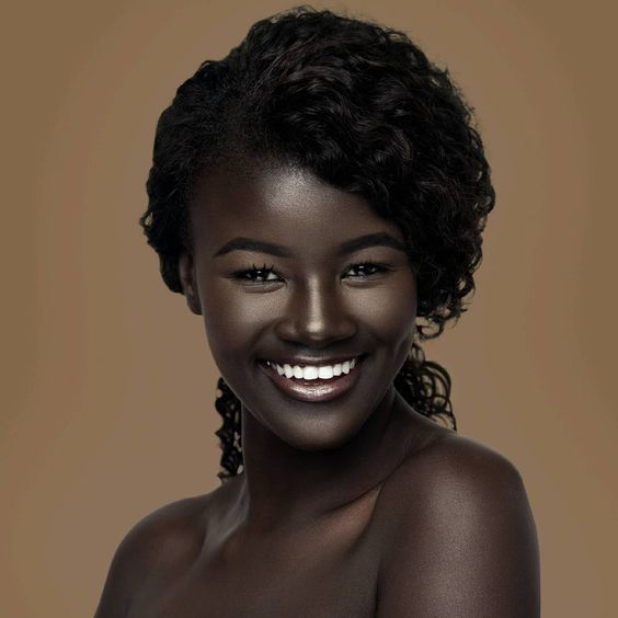It takes more than just a good looking body.You've got to have the heart and soul to go with it. Makeup: @moshoodat Photographer: @islandboiphotography #melanin #blackgirlmagic: