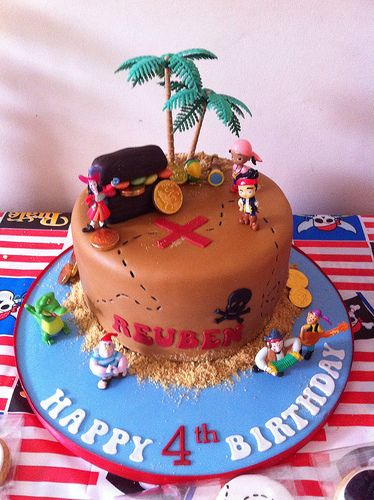 Pirate cake cupcakes and cookies jake and the  neverland pirates