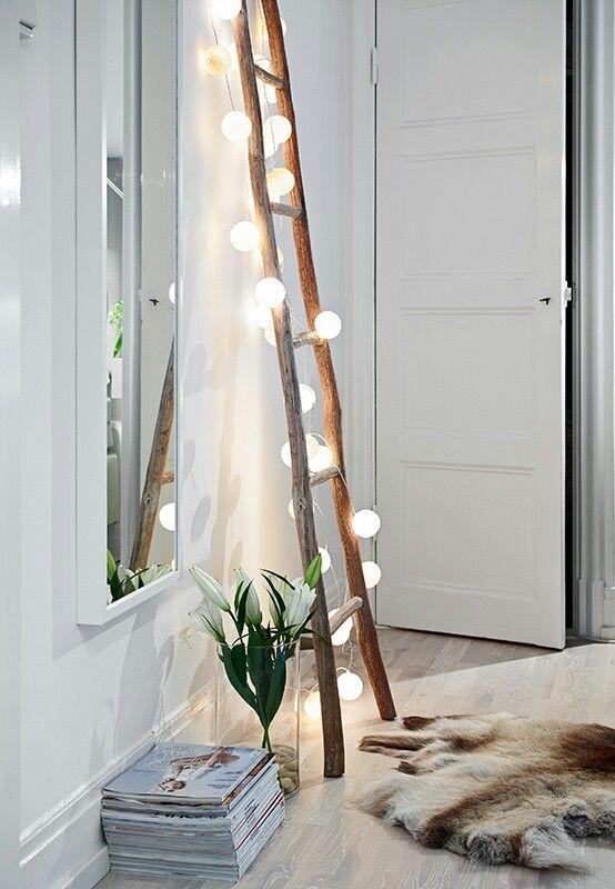 Large fairy lights, mirror, hall, lader:
