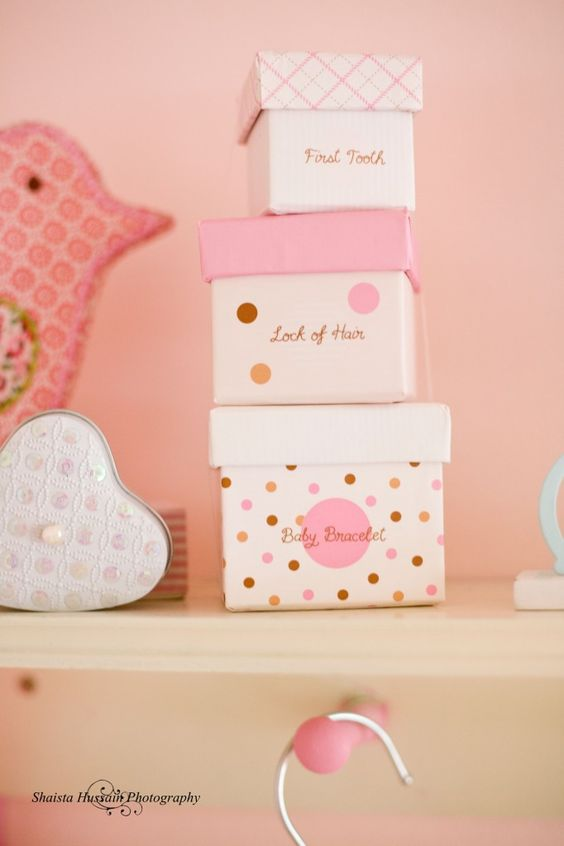 We really love these memory boxes - super-cute to display in the nursery, too! #Nesting