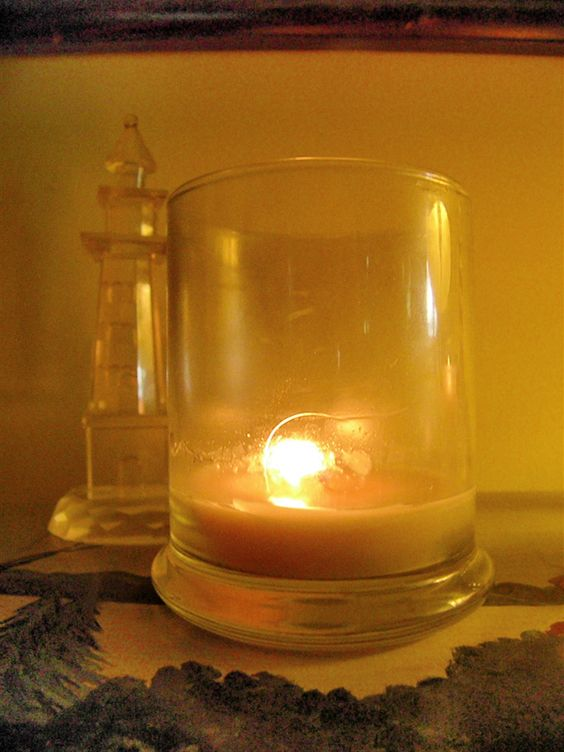 This is our Refillable Status Jar Candle - it burns cleanly (no black soot) and completely!