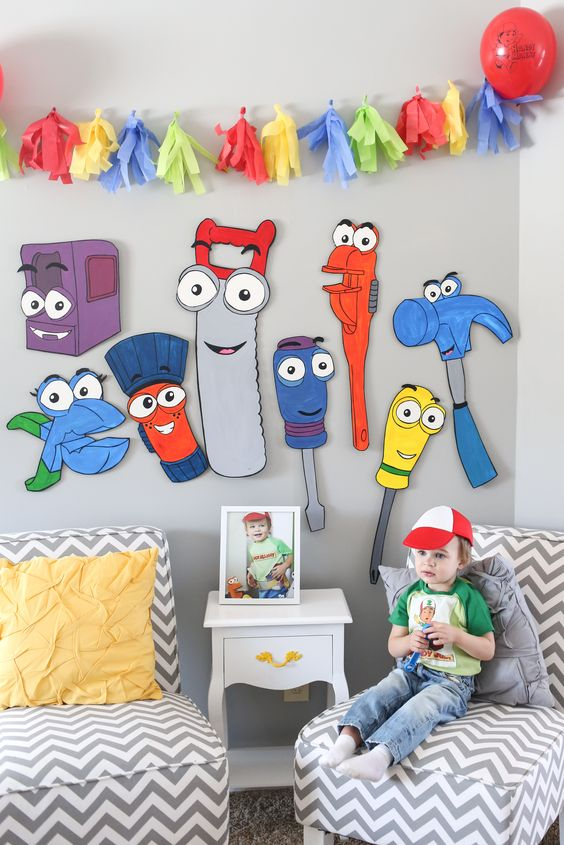 Two year old birthday party handy manny birthday party for Handy manny decorations