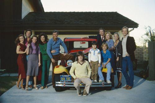 I love this photo of the original Knots Landing cast!
