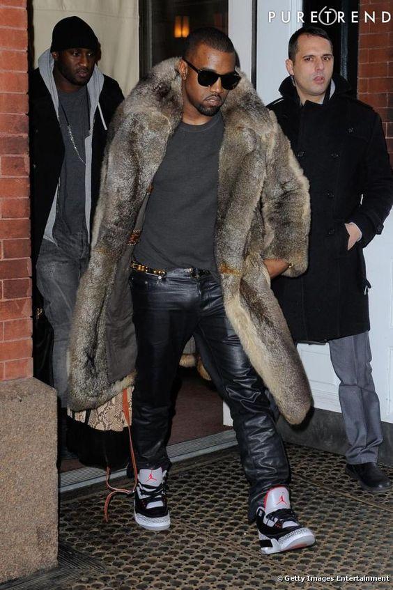"Kanye West dans les rues de New-York.  ""Who Else can Rock this Fur?"""