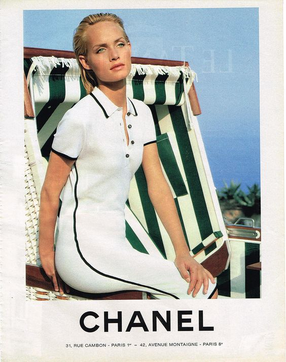 D Tails Sur Publicite Advertising 045 1994 Chanel Collection Robe De Plage Publicit Chanel