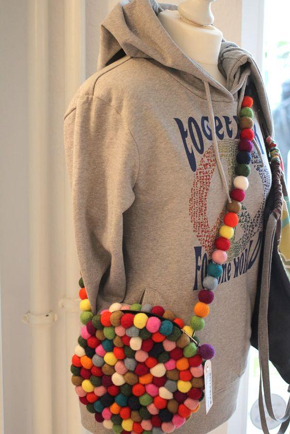 #DIY Tasche von Dorfmadl, Hoody von my-tagshirt. Stylisch, individuell und nur bei uns im #Friedrichshain zu haben.