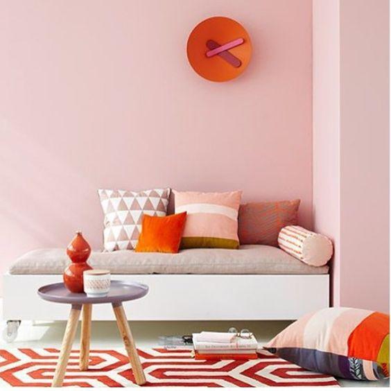 WEBSTA @ anavirginiafurlani - Cores pálidas e quentes em harmonia. ❤️💗❤️ #livingroom #livingdecor #pinkdecor #orangedecor #interiør #interiors #interiorismo #interiordesign #design #designdeinteriores #disenodeinteriores #decor #decoracao #decoracion #decorating #decoration #arquiteturadeinteriores #architecture #homedecor #homedesign #housedecor #instadecor #instadesign #apartamento #apartament #rosapalido #tonspasteis #inspiration