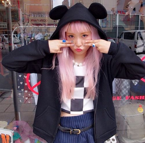 Mouse ear hoodie, checked shirt
