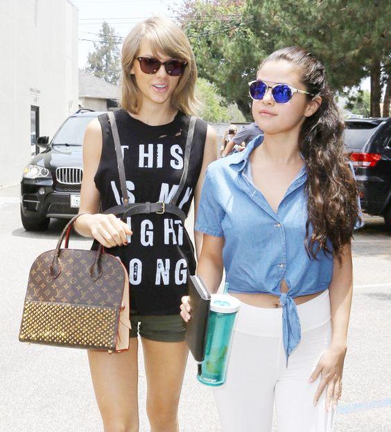 Taylor Swift usa acessório de sex shop para passeio com Selena Gomez - Revista Cifras