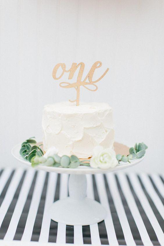 17 Adorable 1st Birthday Cake Ideas 1st Birthday Cakes Floral