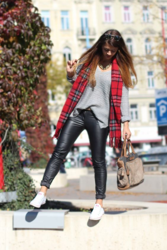 berries & passion: tartan & leather
