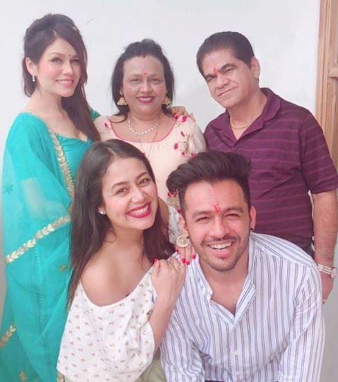 Neha Kakkar Family In 2020 Neha Kakkar Tony Hottest Female Celebrities