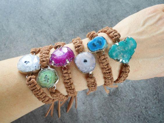 Bracelet boho macramé en cuir de suède connecteur par JewelryByPlk
