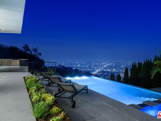 1807 Blue Heights Dr Los Angeles Ca 90069 Mls 19518926 Zillow Hollywood Hills Homes Zillow Los Angeles Neighborhoods