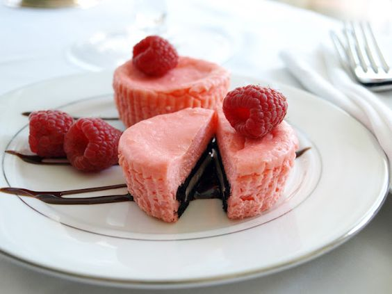 Less-Than-Perfect Life of Bliss: Mini Raspberry Cheesecakes