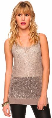 A dose of sparkle in your daytime look is super glam. @Forever 21 This is a beautiful example of a soft color