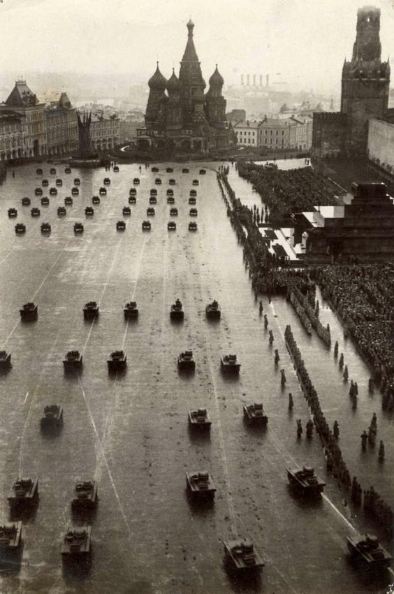 Celebrating the October Revolution (1917), Moscow, 1933: