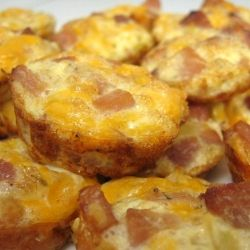 Mini Ham and Cheese Frittatas - a healthy snack packed with flavor