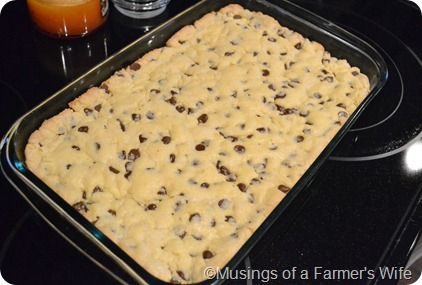 choc chip cookie cake