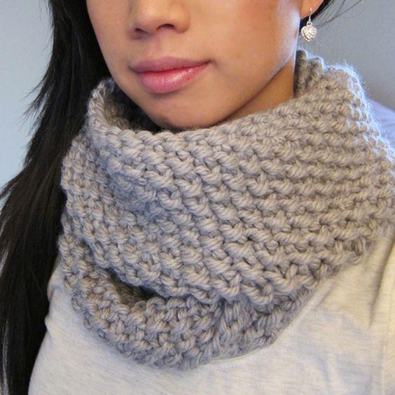 Infinity Scarf Knitting Pattern Seed Stitch : Circle scarf, Free pattern and Shawl on Pinterest
