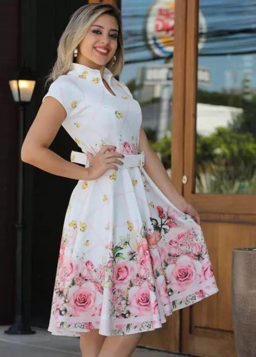 Vestido Godê Florido Barrado - Moda Evangélica - Flor de Amêndoa